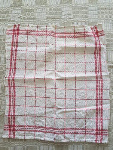 Ren handduk från linneskåpet