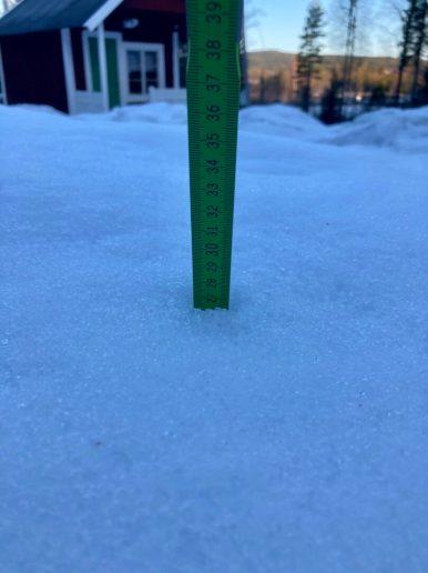 27 cm snödup nu, det går åt rätt håll ändå