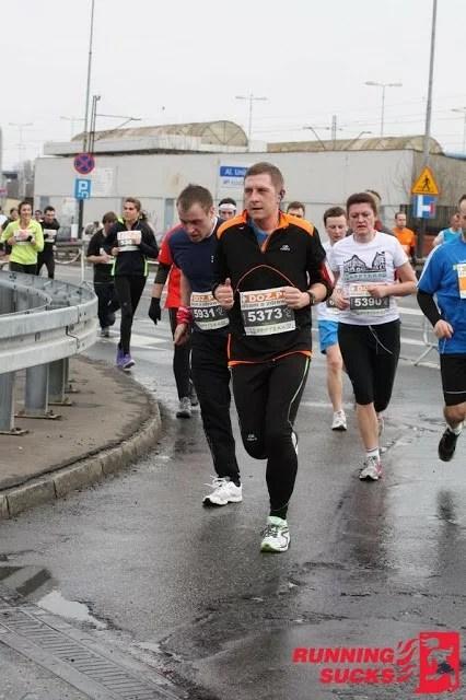 doz maraton 2013, appteka 10k run, biegacze na trasie zawodów