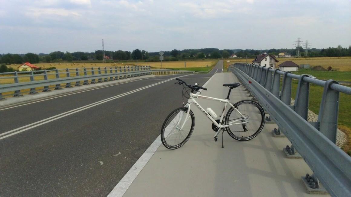 sierpień, wycieczka rowerowa za miasto