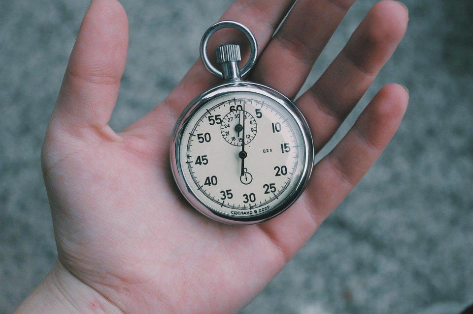 do pomiaru tempo biegania. stoper analogowy