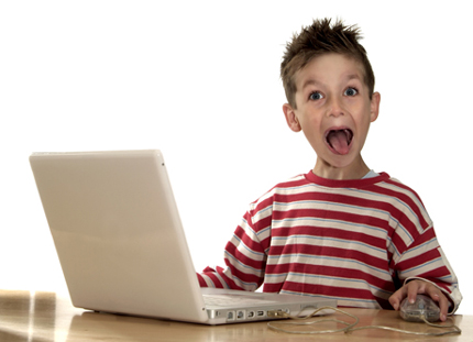 et computer kid happy surprised2