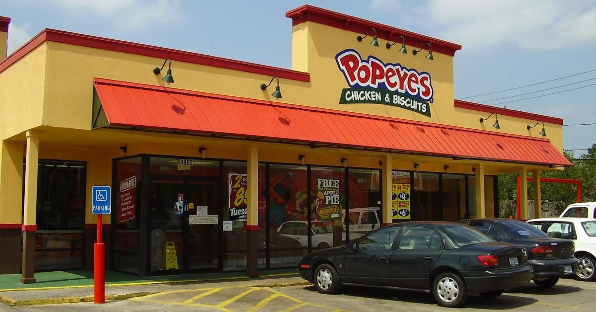 FACT CHECK Was a Popeyes Worker Caught Lacing Chicken