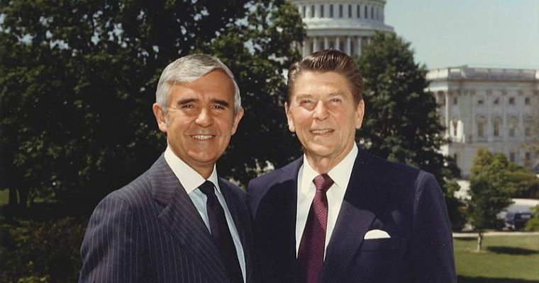 הסנטור פול לקסיט פונה לכמרים אוונגליסטים לסייע לקמפיין רייגן ב-1984