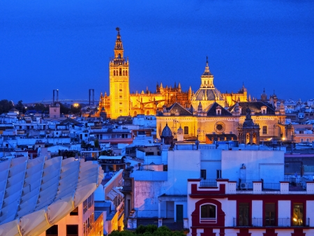 https://i0.wp.com/us.123rf.com/450wm/charles03/charles031311/charles03131100089/23934952-cityscape-of-seville-with-santa-maria-de-la-sede-cathedral-andalusia-spain.jpg