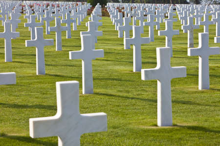 war: Rows of white crosses at the World War 2 American Cemetery, Colleville-sur-Mer, Omaha Beach, Normandy, France, Europe