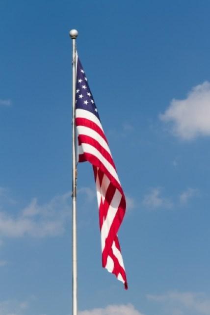 Resultado de imagen para bandera de estados unidos en mastil
