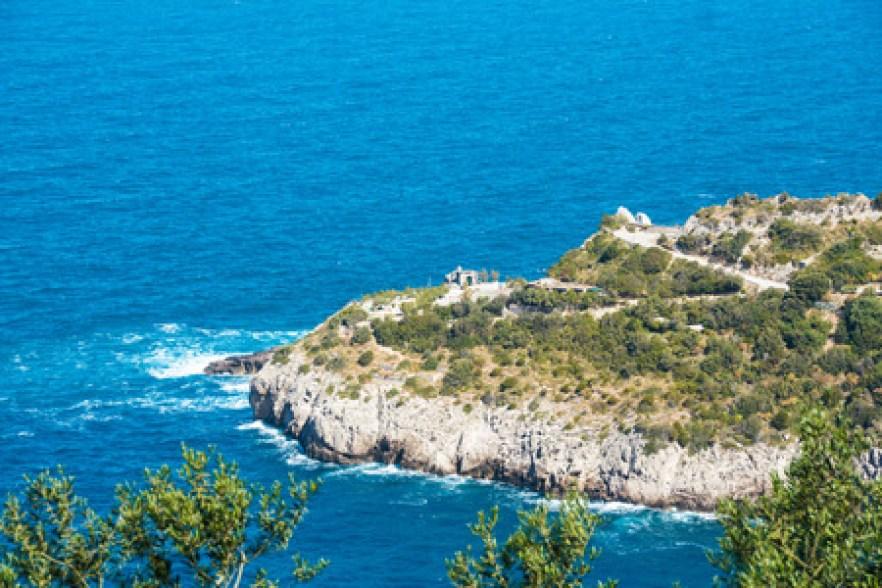 Het Landschap Van Punta Campanella Van Het Schiereiland En De Golf Van  Sorrento, Napels, Italië Royalty-Vrije Foto, Plaatjes, Beelden En Stock  Fotografie. Image 78682169.