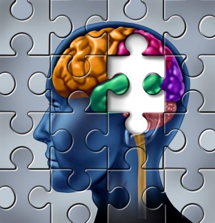 cervello umano: L'intelligenza e la perdita di memoria simbolo rappresentato da un cervello umano multicolore con un pezzo mancante di un puzzle