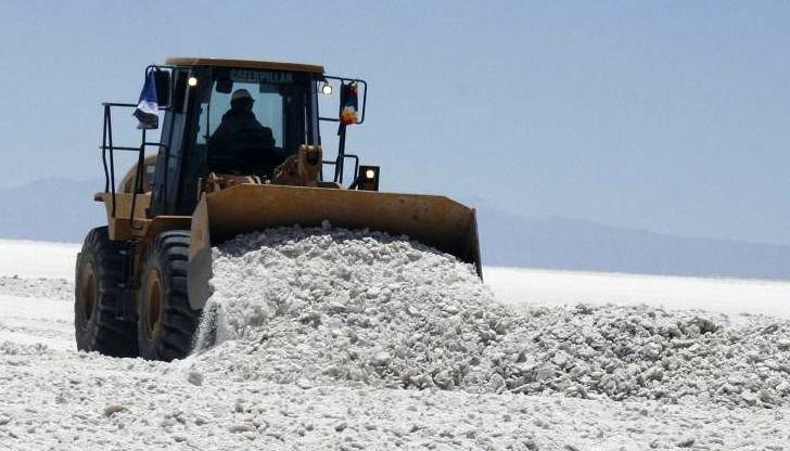 Macri resaltó el potencial de  litio pero sin obras se perderá