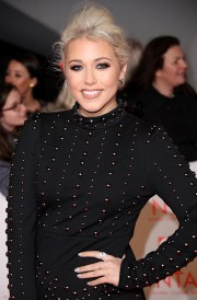 meghan markle holly willoughby