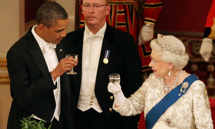 Barack And Michelle Obamas Photos With Queen Elizabeth