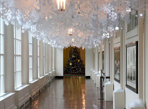 Adornan la Casa Blanca para Navidad y luce exuberante