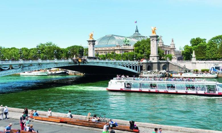 Off Paris Seine A Unique Floating Hotel On The River Seine