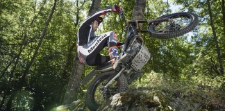 20 Montesa Cota 301RR action
