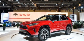 Canadian premiere of 2021 RAV4 Prime and all-new 2020 Toyota Highlander Hybrid