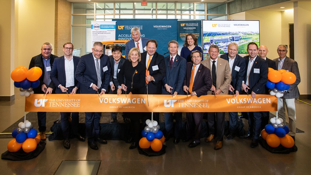 Volkswagen_and_University_of_Tennessee_Announce_Innovation_Hub_Collaboration-Large-10845
