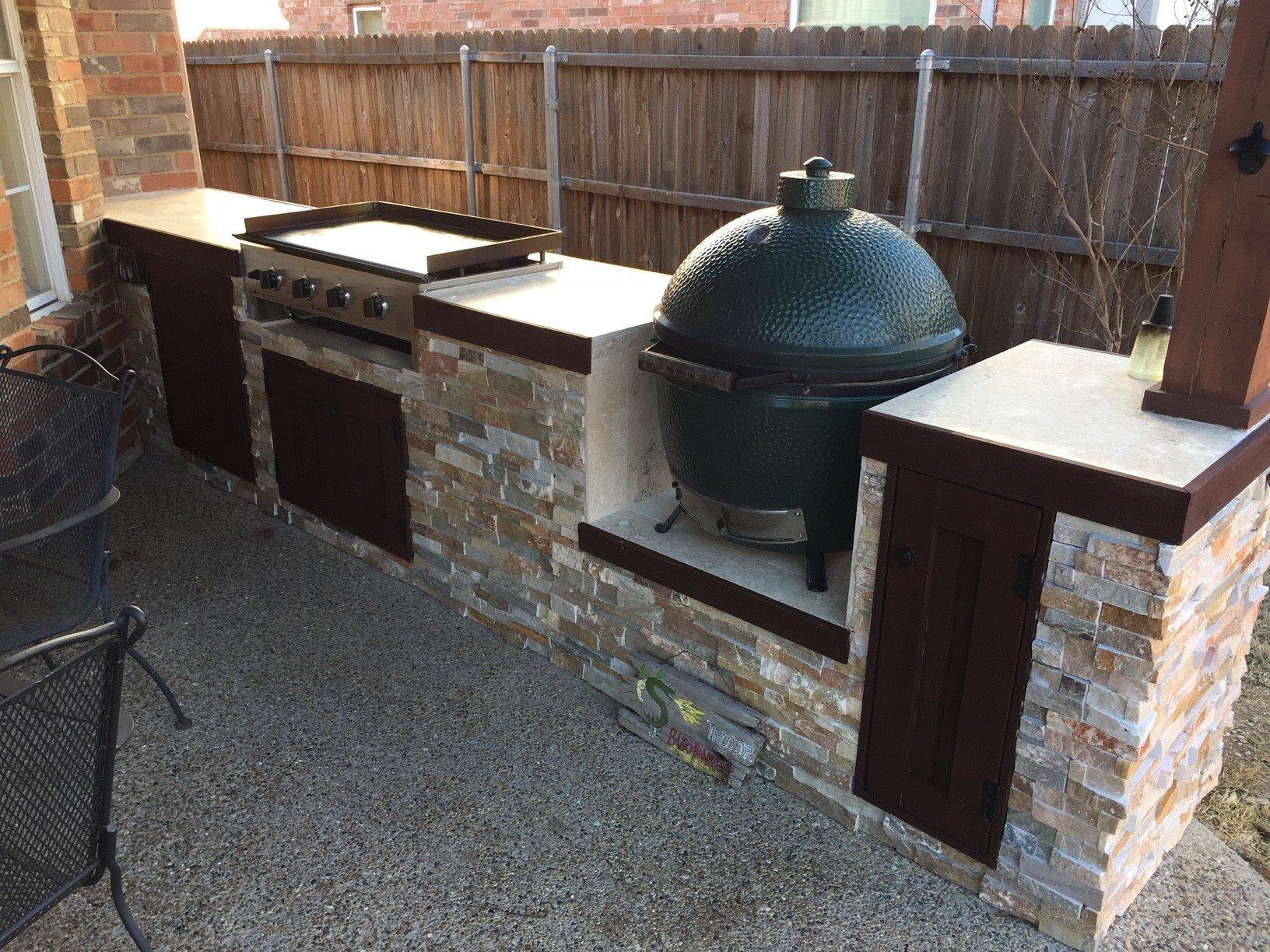 Outdoor Kitchen With Blackstone Griddle Novocom Top