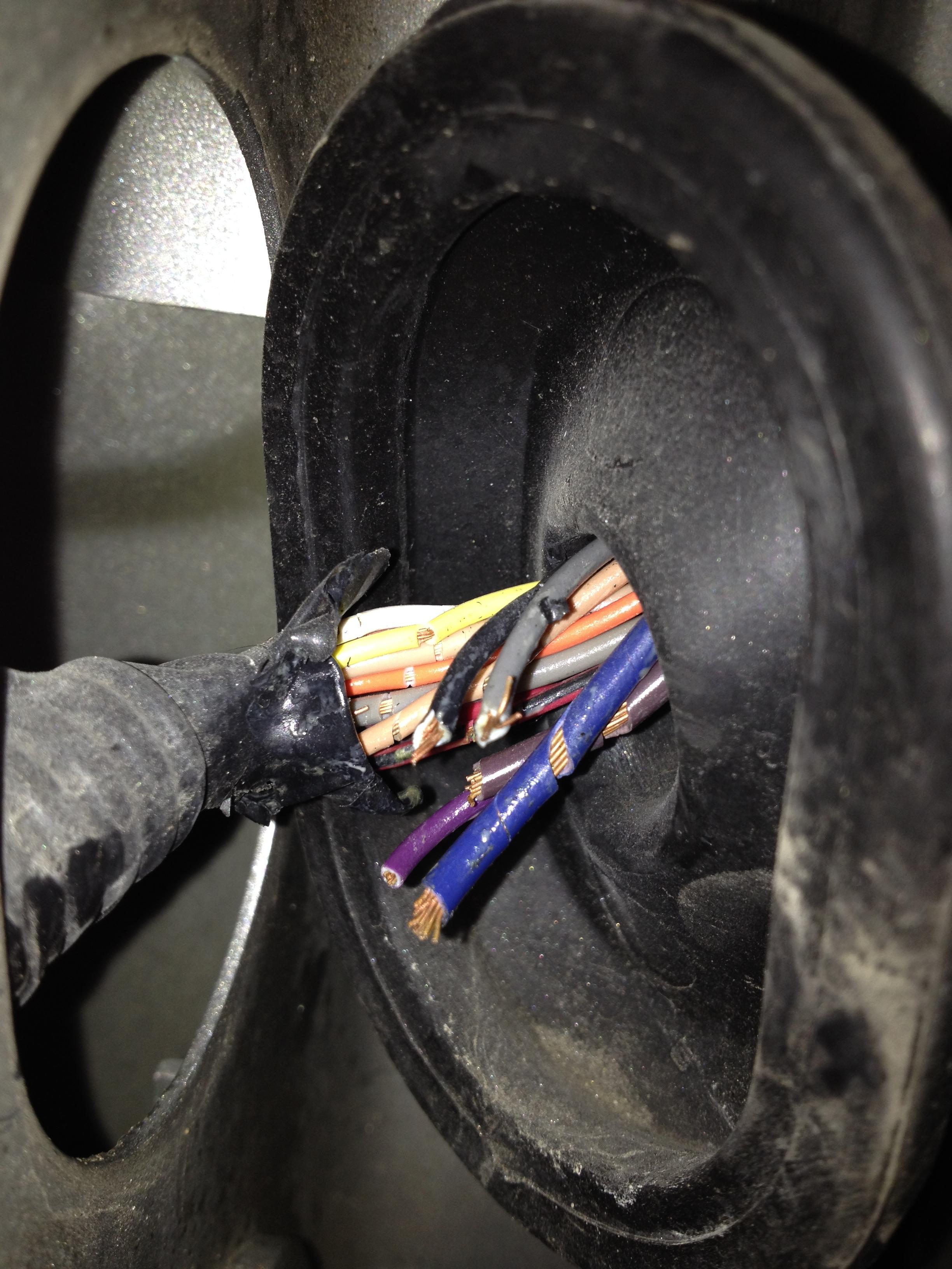 2004 Jeep Grand Cherokee Wiring Schematic Pontiac Torrent Door Wiring Harness Problem Car Forums