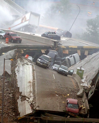 The I-35W bridge that collapsed in Minneapolis was both fracture-critical and structurally deficient -- like nearly 8,000 other U.S. bridges. Image courtesy of ##http://www.barrylepatner.com/##Barry LePatner##