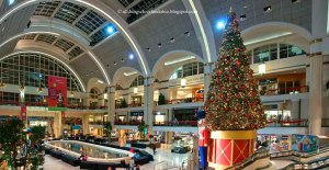 Will free street parking help or hurt downtown Cleveland's Tower City mall? Photo: ##http://timkovach.com/wp/2013/11/20/clevelands-parking-policies-are-stuck-in-the-1960s/## Tim Kovach via All Things Cleveland##