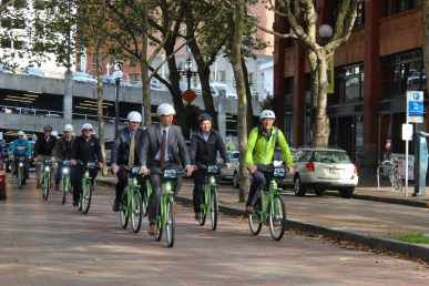 Seattle Mayor Ed Murray led an inaugural Pronto bike share ride. Everyone wore helmets, as is required by law. Photo: City of Seattle