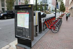 Arlington, Virginia, has come up with a way to allow people without credit cards to be bike-share members. But is their solution transferable to other places? Photo: ##http://www.bikearlington.com/pages/bikesharing/##Bike Arlington##