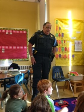 Hinesburg, Vermont Police Chief Frank Koss speaking to a group of local schoolchildren. Photo: Twarogsclass