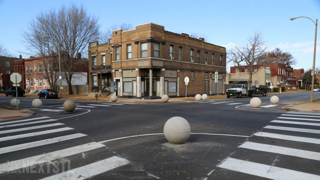 photo image St. Louis Calms Traffic With Heavy Concrete Globes