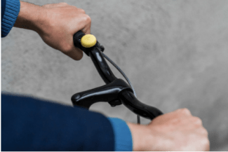 Handlebar-mounted buttons allow London cyclists to alert the mayor about safety gaps. Photo: Hovding