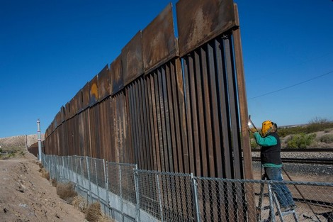 Photo of البنتاغون يخصص 3.6 مليار دولار لبناء جدار على الحدود المكسيكية