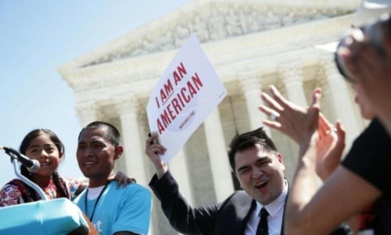 Photo of المحكمة العليا التي عدلها ترامب تبدأ النظر في قضايا خلافية