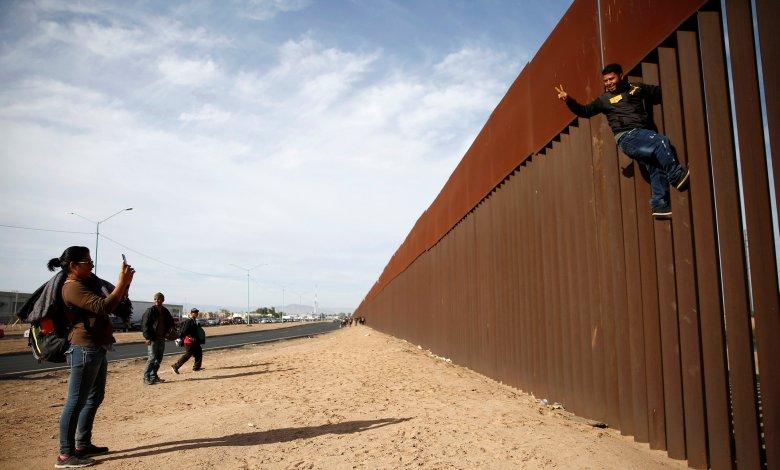 Photo of محكمة أمريكية تحرم ترامب 3.6 مليارات دولار لبناء الجدار الحدودي