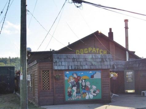 Das beste Lokal vor Ort - Dogpatch Hausseite - vorne, hinten und innen ist weiter so schön bunt: