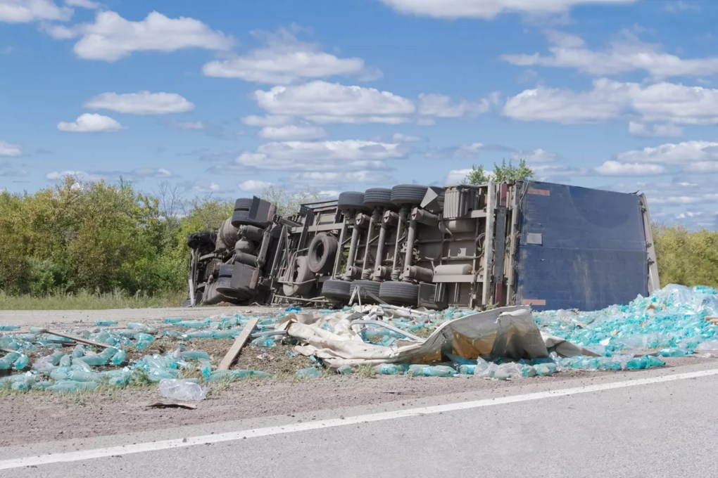 Woman Hospitalized after Semi-Truck Accident on Highway 65 near Famoso Road [Kern County, CA]