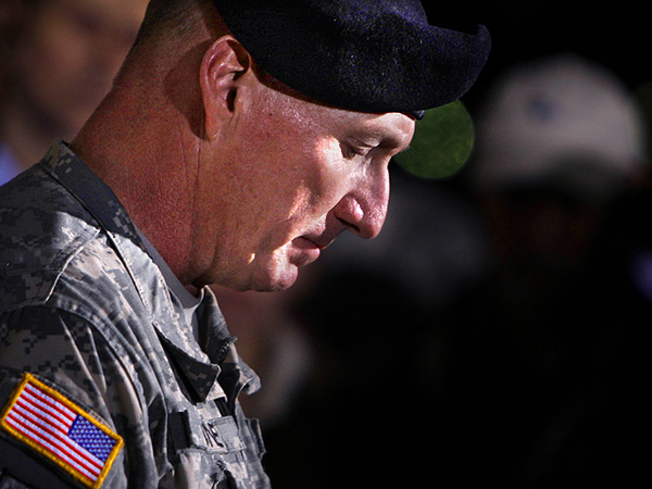 American families, soldiers anguished by Fort Hood killings by Muslim-American soldier; Obama says no rush to conclusion....