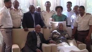 Mandela-wt-ANC-leaders-April-2013-stunt-visit