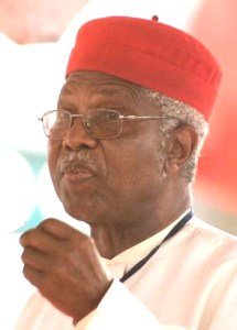 Alex-Ekwueme-ex-VP_Nigeria_in-white-trad-red-cap. via USAfricaonline.com