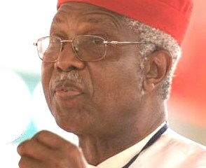 Alex-Ekwueme-ex-VP_Nigeria_in-white-trad-red-cap