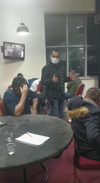 Uşak'ta kumar oynayan 22 kişiye 70 bin TL para cezası kesildi