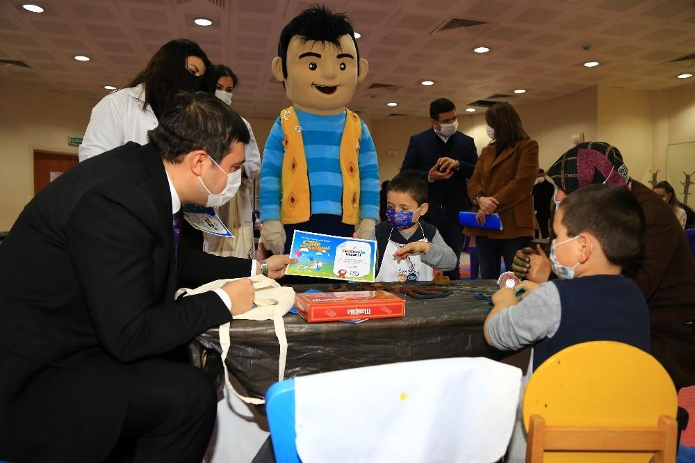 Başkan Çakın, çocuklara teşekkür belgesi verdi