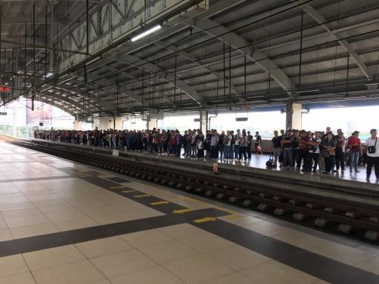 MRTの駅のホーム