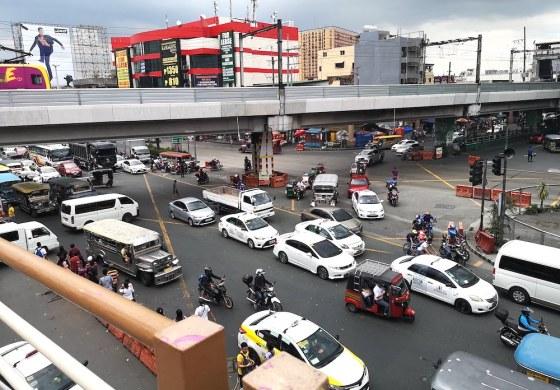 フィリピン・マニラEDSAでの渋滞