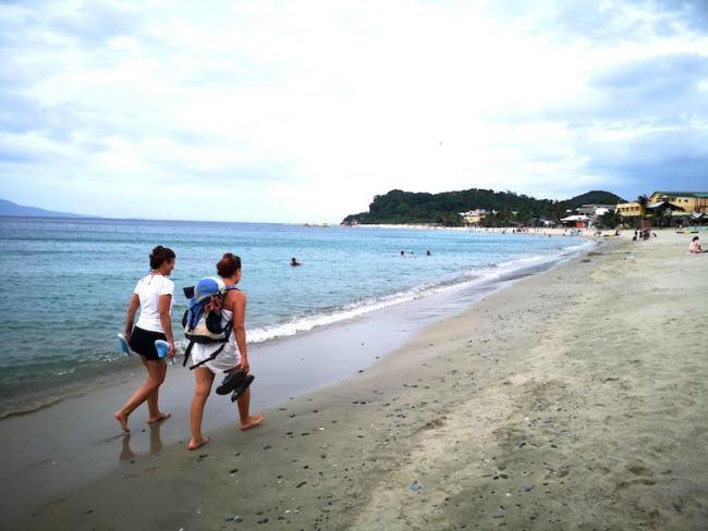 プエルトガレラのホワイトビーチ