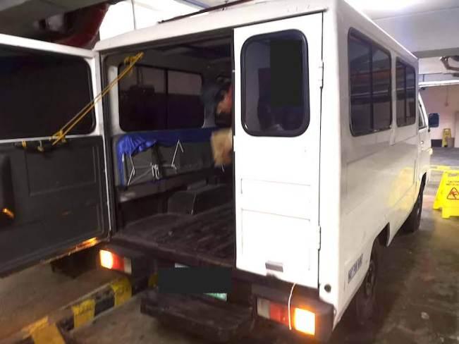 フィリピンの引っ越しで使ったトラック