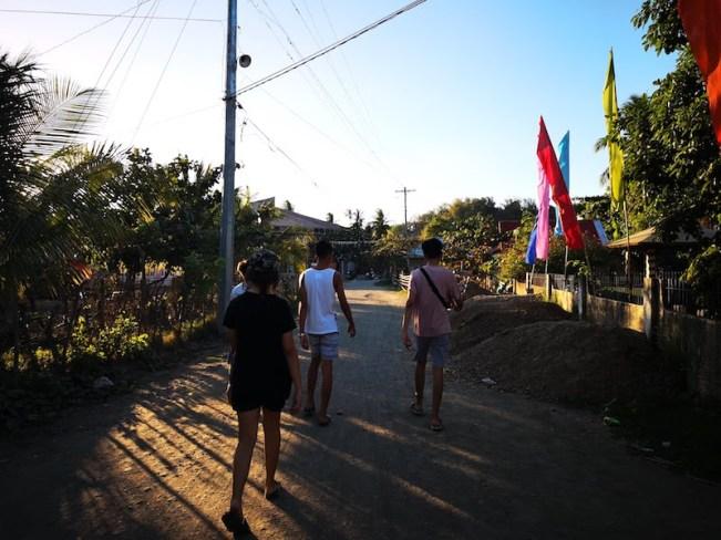 フィリピンでウルルン-バイバイへ