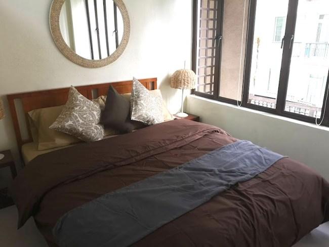 マカティのコンドミニアムの内装、ベッド周り