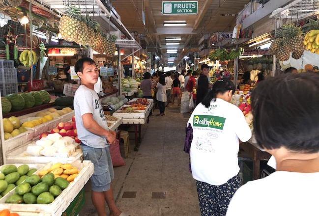 カルティマールマーケットの果物屋