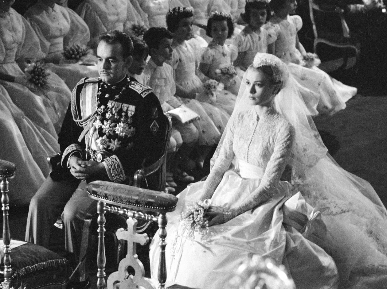 Prince Rainier of Monaco and American actress Grace Kelly during their wedding ceremony at the Cathedral of Saint Nicholas, Monte Carlo in 1956.