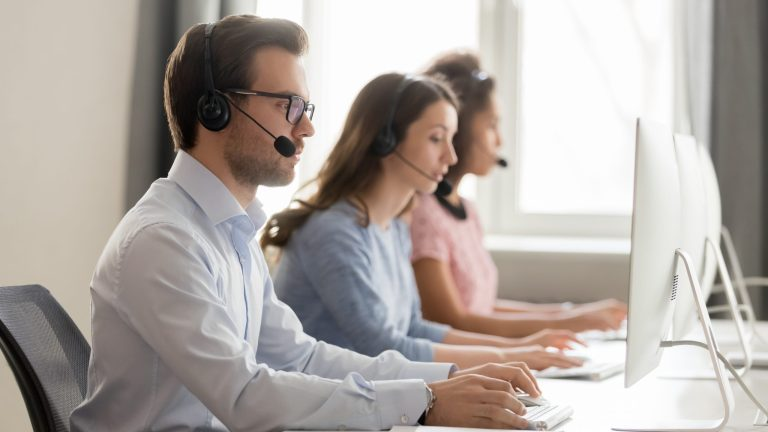 Read more about the article Answering Service for Small Businesses in 2021 – Is it Right  for You?